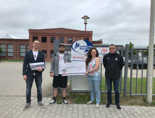 Dankbar für Spende vom FSV Zwickau